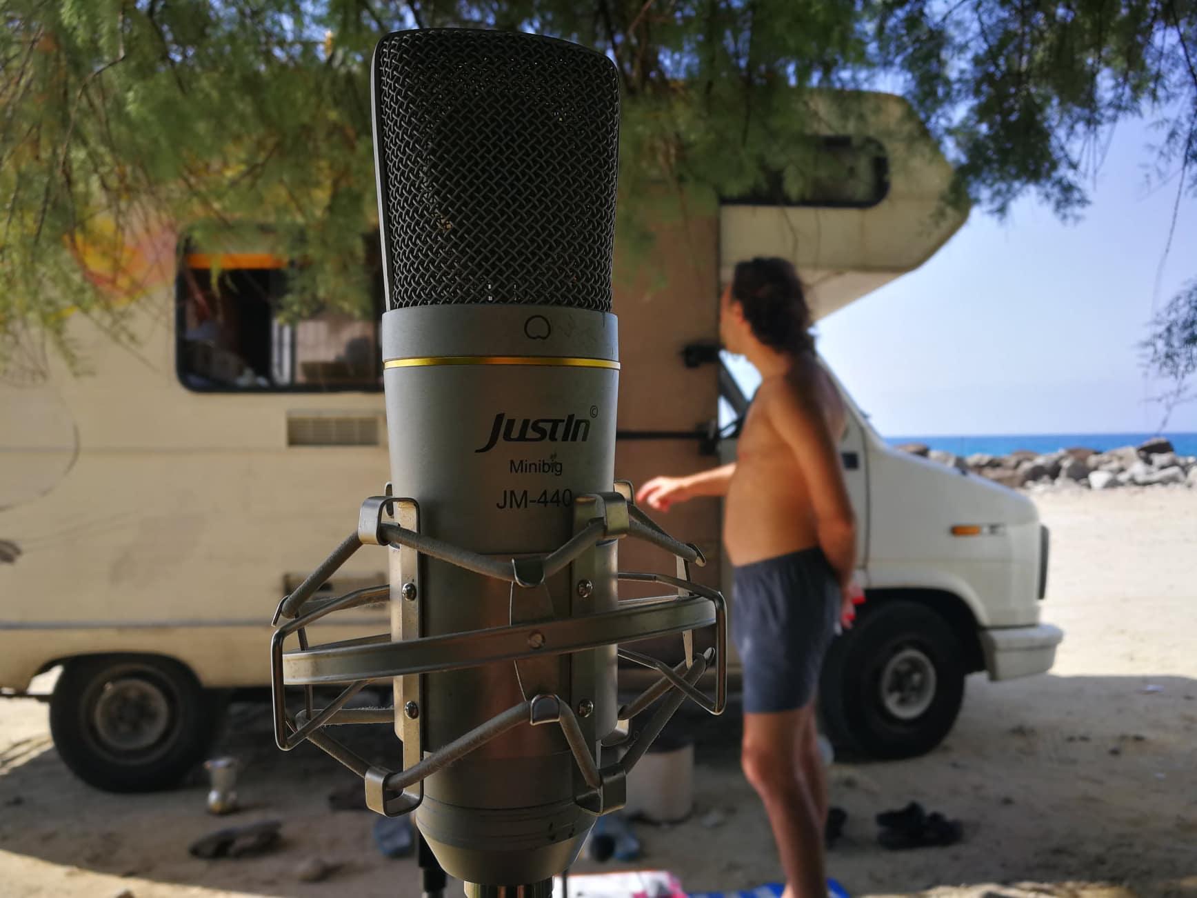 Radio Colomba set up_Pizzo Calabro.parcheggio Colombo. lungomare Colombo.